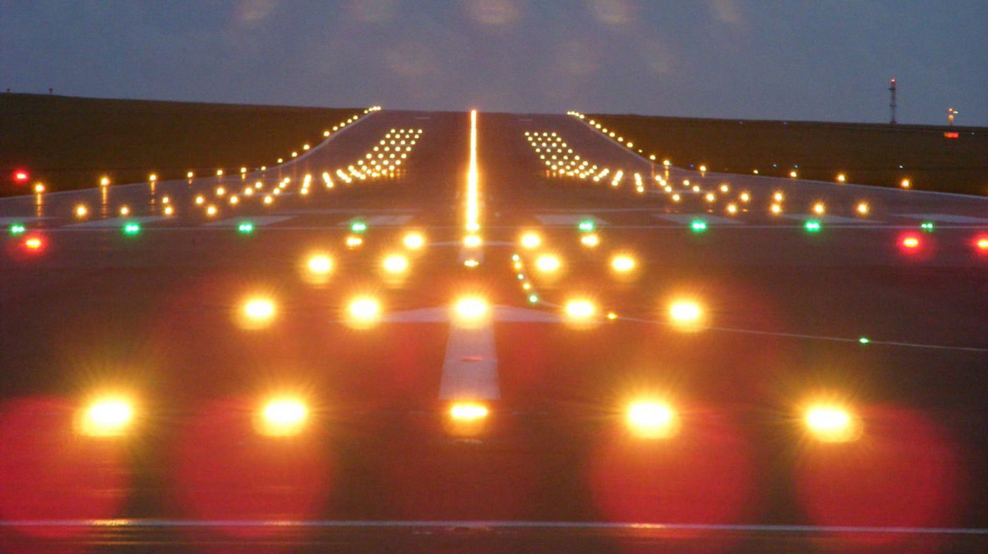 luces-y-senales-de-aviacion-que-vemos-en-los-aeropuertos